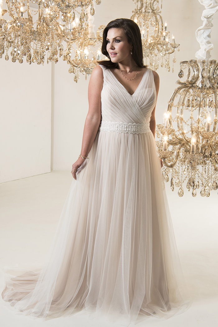 How To Find The Right Shade Of Wedding Dress For Your Skin Tone