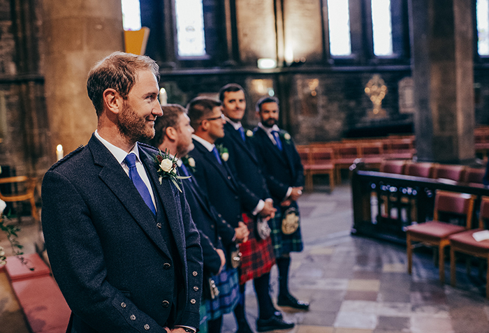 b7464fdcaa9 Glamorous + boho wedding with rustic flowers at Mansfield Traquair ...