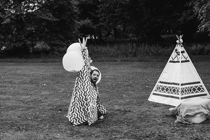 Photos by Zoe rustic PapaKåta tipi wedding - kids tipis
