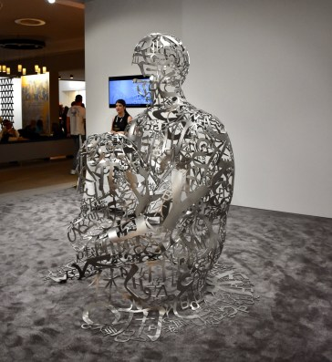 The sculpture of Jaume Plensa for the Ruinart VIP Lounge at Art Basel 2017