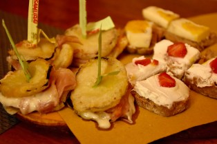 Jewish Ghetto and Cannaregio Food Tour with Dinner in Venice