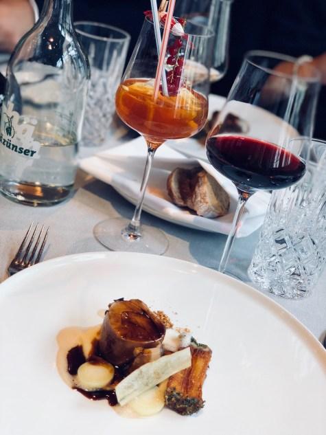 The Coffee-Wine-Food presentation by Mövenpick. Dish: Veal shank, braised 24H on the bone, parsnip, jus with coffee aroma. Cocktail: Mövenpick Lemonade. Wine: 2014 ÉO Noir