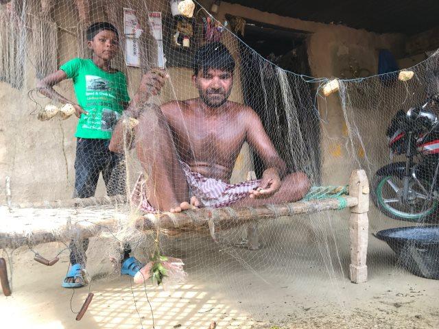 सरदार सरोवर परियोजना की चपेट में आ रहे लोगों ने पुनर्वास के नाम पर छल का आरोप लगाया है | फोटो : राहुल कोटियाल
