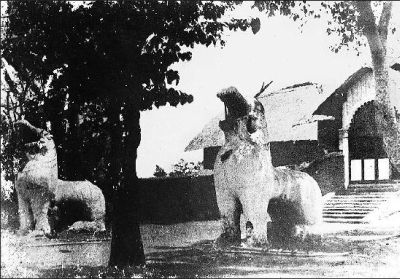 The Kangla Sha at the Kangla Fort that were destroyed by the Burmese forces and later, the British. [Credit: Wikimedia Commons]