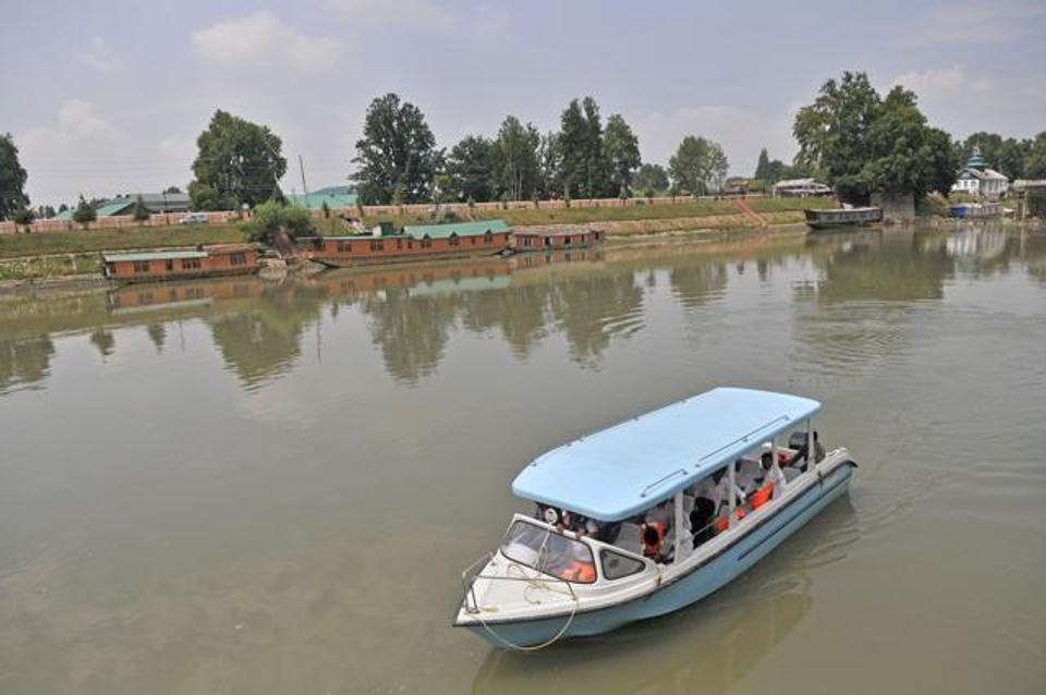 A motorboat provided by the J&K government for a trial run of the waterway transportation system on the Jhelum. Photo credit: Waseem Andrabi/Hindustan Times