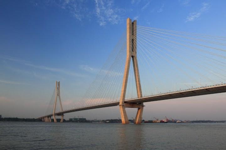 Jingyue Yangtze River Bridge