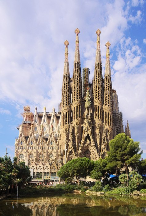 The Nativity facade of the Sagrada Familia in 2017.