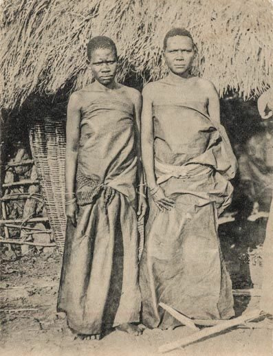 an old picture from East Africa showing two Ugandan women wearing barkcloth