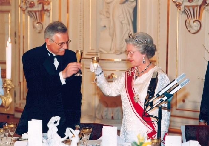 queen of england and formerczech president