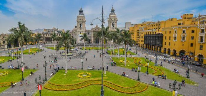 Beautiful colonial architecture of Plaza de Armas, Lima