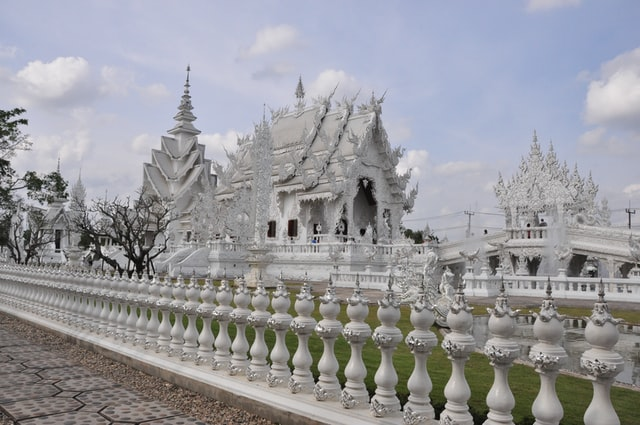 Breathtaking white architecture of Wat Rong Khun