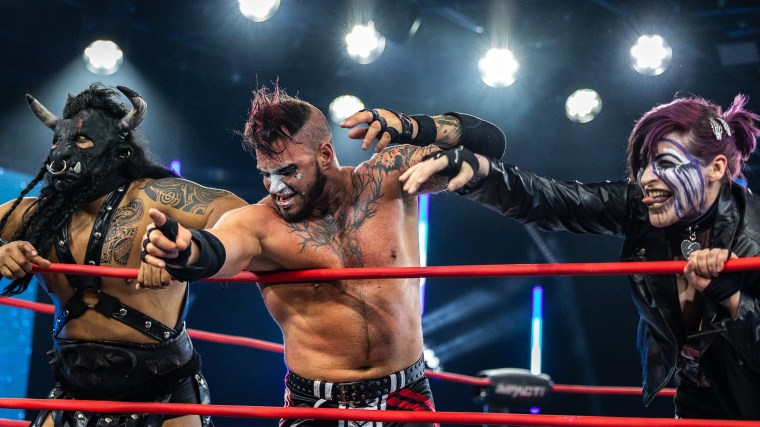 Crazzy Steve Strikes First on Before the IMPACT – IMPACT Wrestling