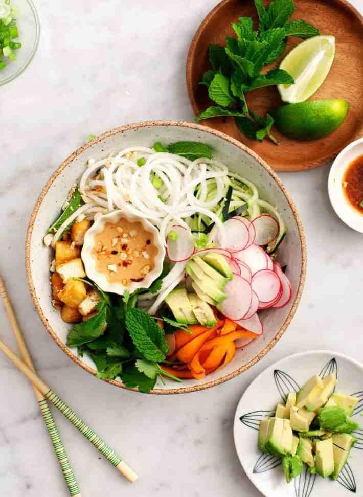 """Spiralized Daikon """"Rice Noodle"""" Bowl"""