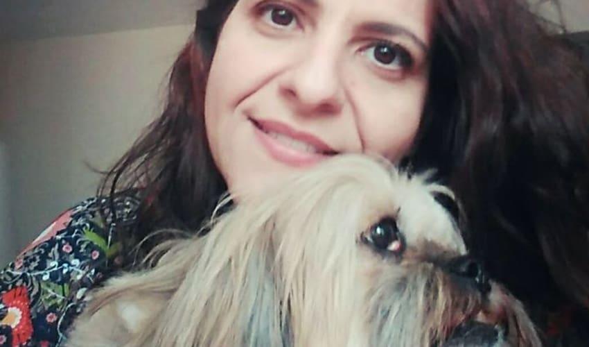 """""""Pituca ganhou uma 2ª casa e eu ganhei mais liberdade"""", diz cliente DogHero"""