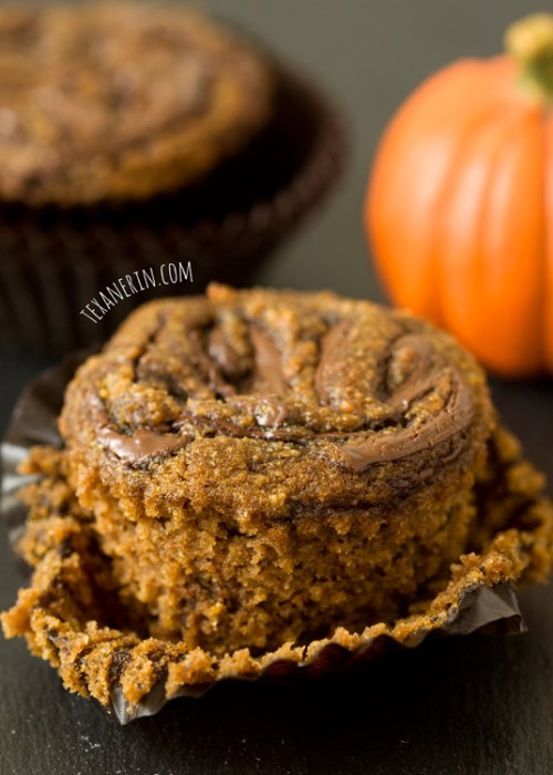 Quick and easy pumpkin spice latte Nutella muffins! (grain-free, dairy-free) | texanerin.com