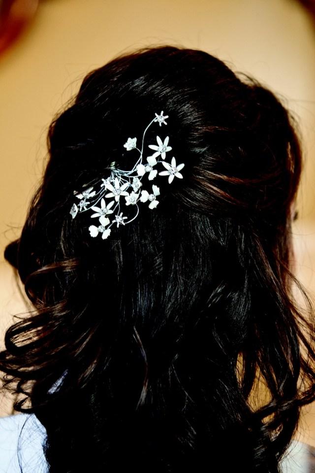 beauty photos - half-updo hair clip - inside weddings