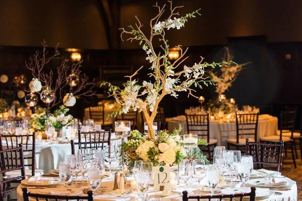 Summer Destination Wedding With Rustic-Elegant Décor In