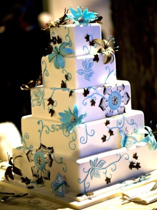 Square Wedding Cakes   Cake Ideas   Inside Weddings