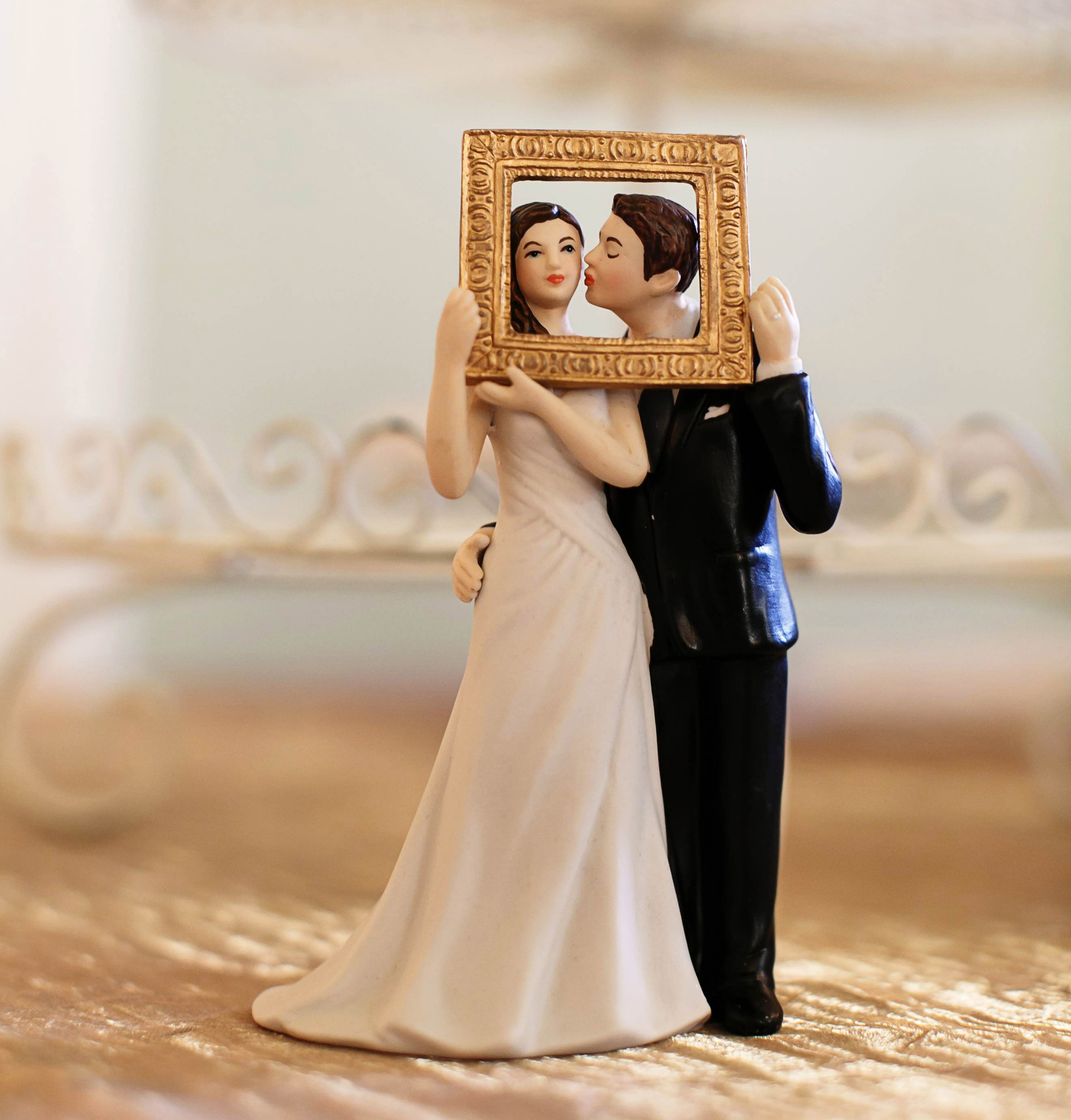Wedding Cake Toppers 7 Fun And Unique Examples