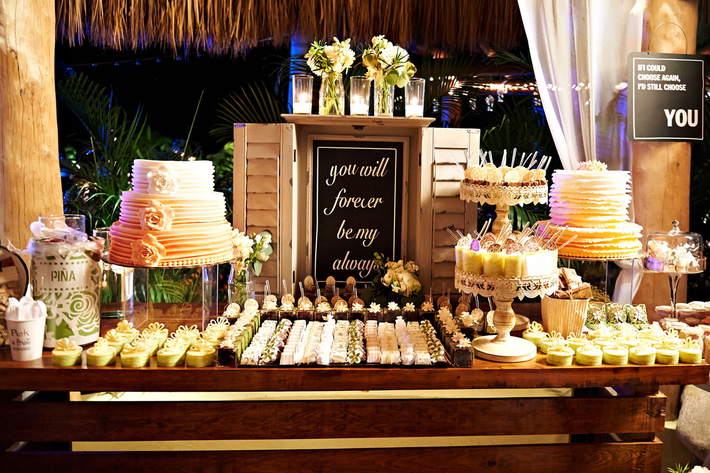 Wedding Reception: Tips For Having A Dessert Station