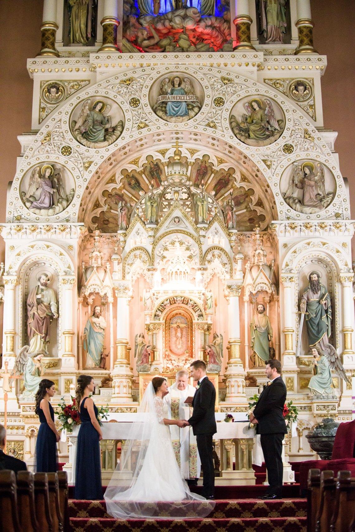 Wedding Ceremony Ideas: 13 Décor Ideas for a Church ...