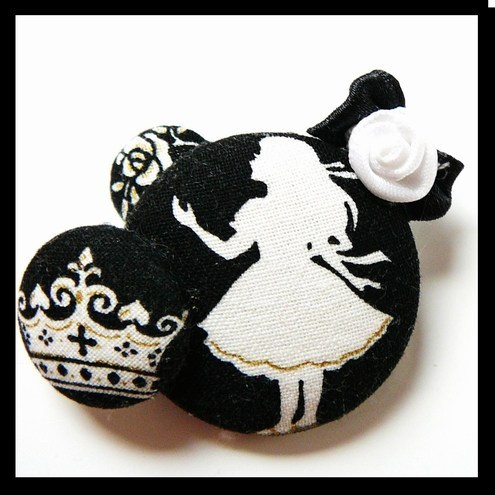 Alice in Wonderland pin brooch, FluffsStuffs