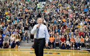 Steve Elza speaks to Fremd High School students during an assembly on Oct. 27.