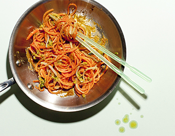 Carrot Noodles with Sriracha Peanut Sauce
