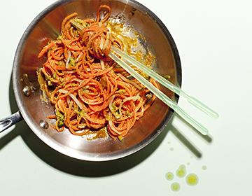 Carrot Noodles with Sriracha Peanut Sauce
