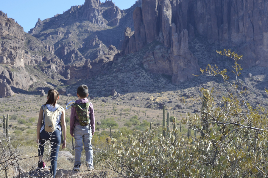 Visible throughout most of phoenix, camelback mountain rises 2,704 feet (824 meters) above the sonoran desert. Happy Trails Try Hiking As A Family At These Favorite Scenic Spots
