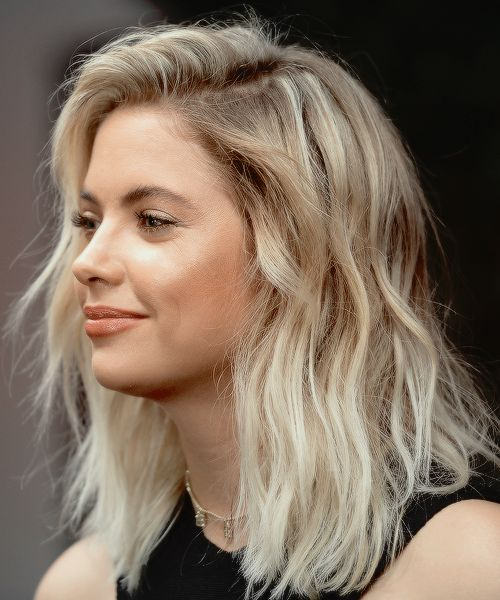 messy%20waves - 5 Easy Hairstyles You Can Take From The Beach To The Bar