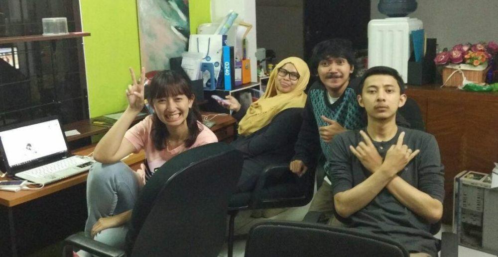 Salah Sambung Team | Photo