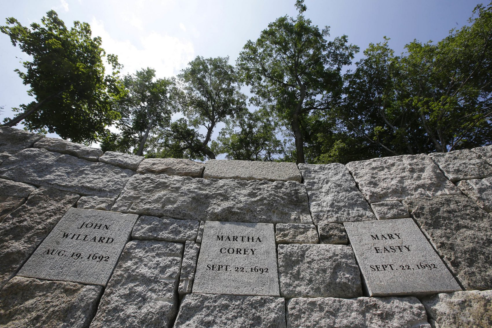 New Memorial Remembers Victims Hanged At Proctor S Ledge
