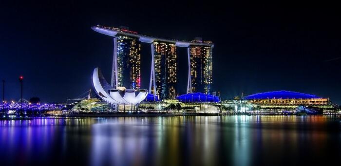 Marina_Bay_Sands,_Singapore_(8351775641)