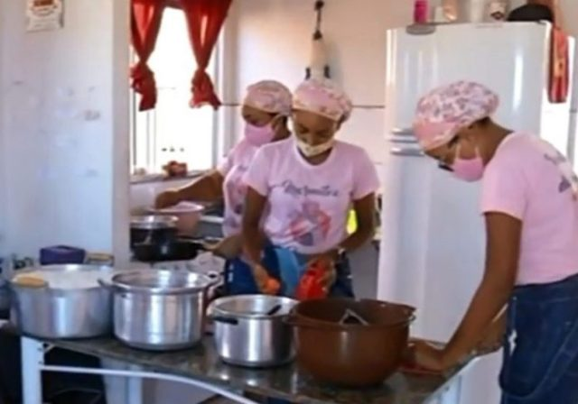 Dona Maria e as filhas - Foto: reprodução / TV Anhanguera