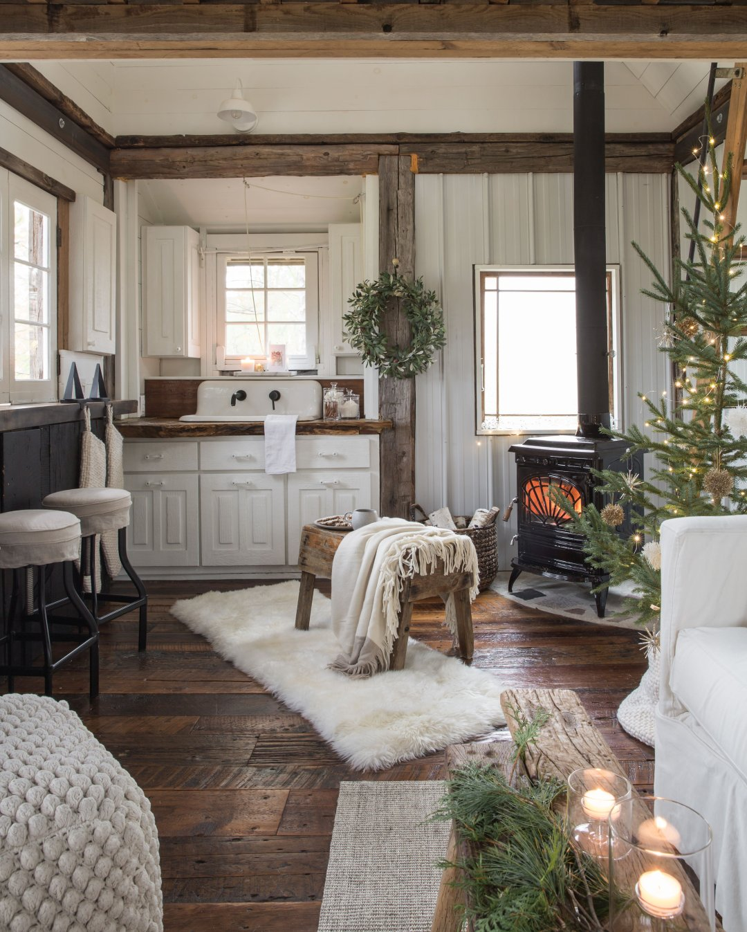 10 Cozy Holiday Decorating Ideas For Small Spaces Crate