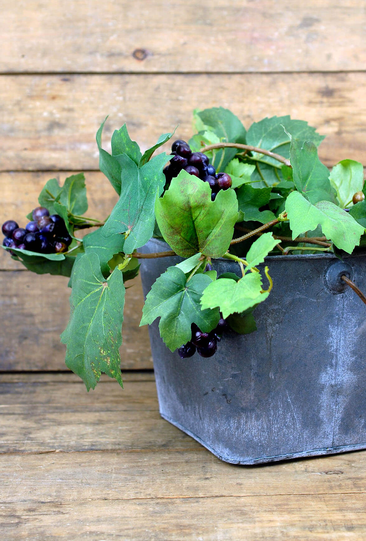 6 Artificial Grape Garland With Grapes