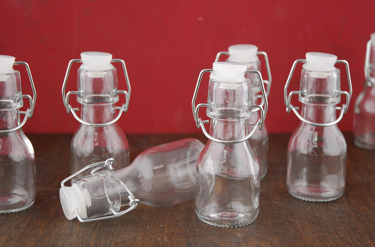 12 4 Glass Swing Top Bottles