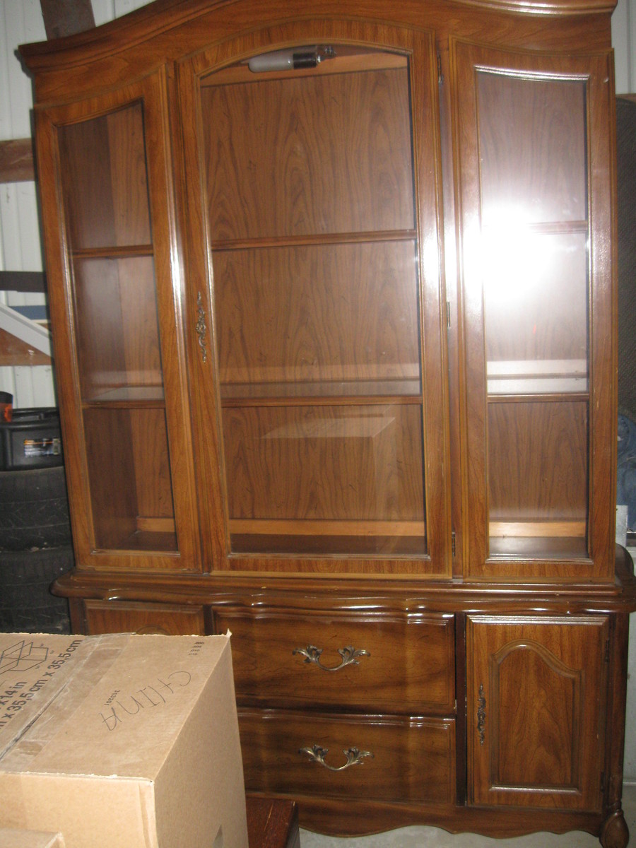 Broyhill Lenoir House Dining Set And China Hutch My