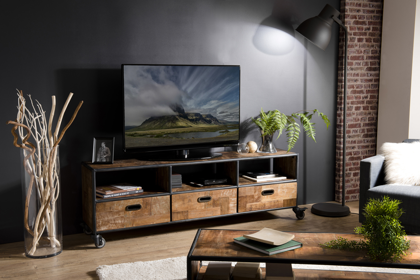 meuble tv a roulettes teck recycle swing