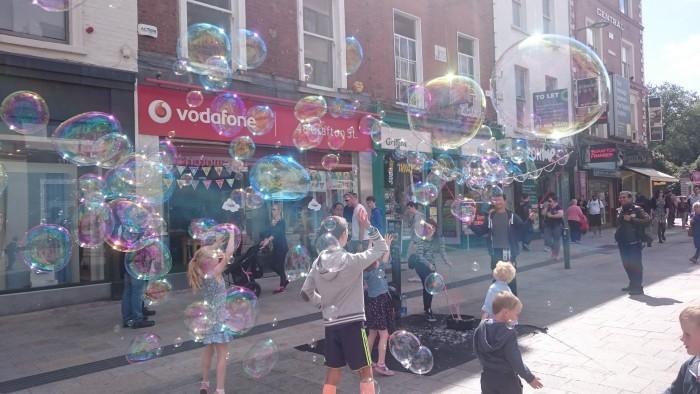 Grafton Street Soapy Bubbles, Dublin is awesome | Maretonka