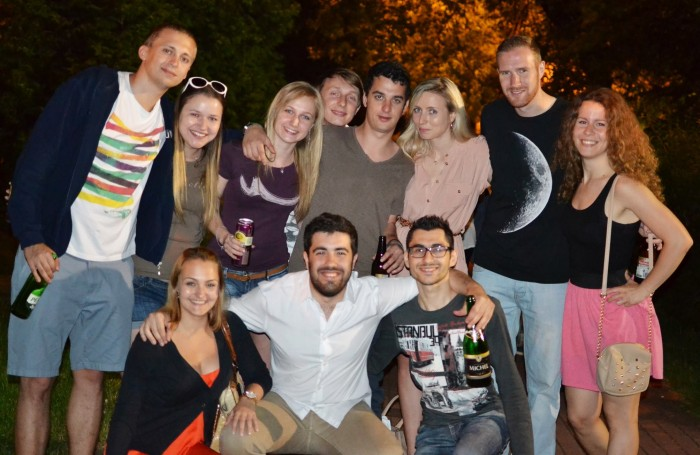 Friends | 7 reasons to become a foreign exchange student | Erasmus | Lady of Awesome