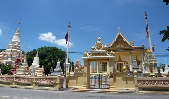 13 Lesser-Known Places of Worship in Southeast Asia | Wat Botum, Cambodia | Lady of Awesome