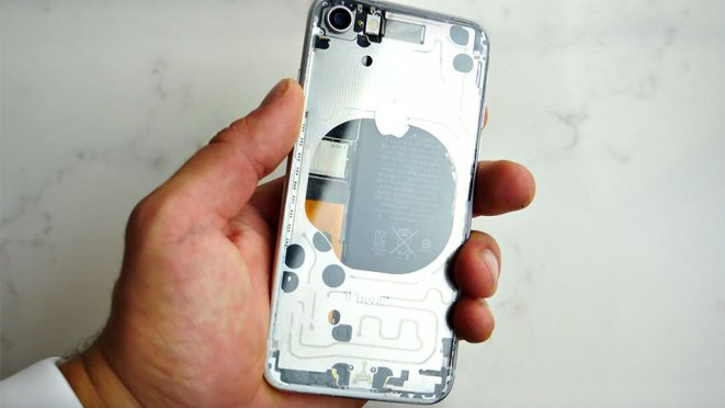 new concept 70511 4be77 Clear Back iPhone 8 Look Totally Awesome, But I Suggest You Not Do ...