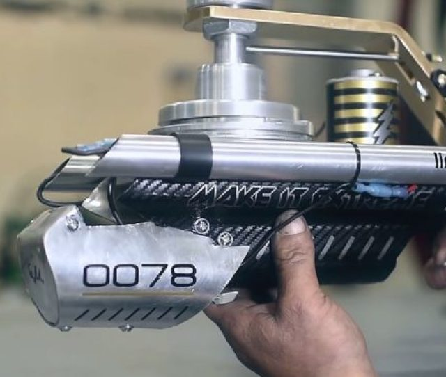 How To Make An Electric Rotary Gun That Spits Out 50 Shots Per Second