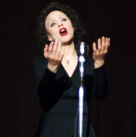 Marion-Cotillard-interpreta-Édith-Piaf
