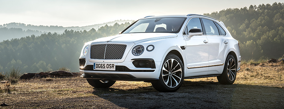 2016-featured-vehicles-edmonton-motorshow-Bentley_Bentayga