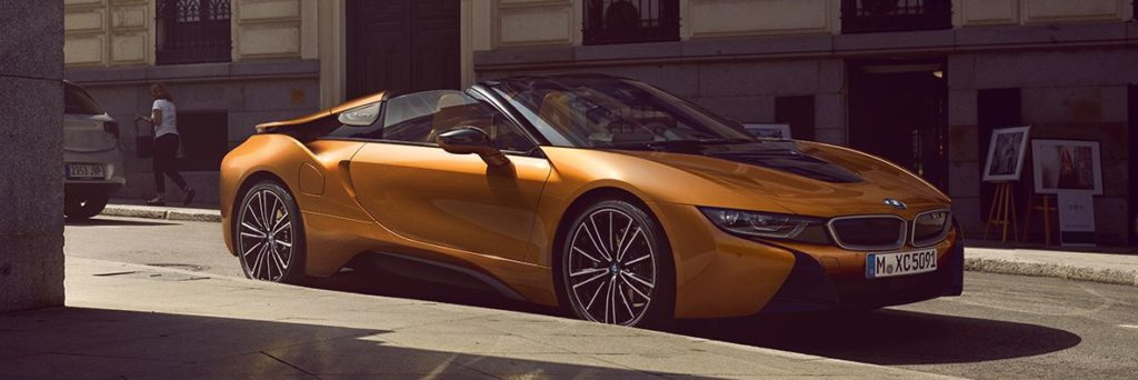 BMW i8 Roadster exterior from the front right side