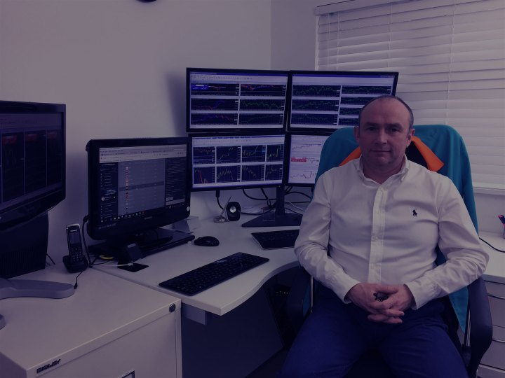 Forex live trading room uk for Forex live trading room