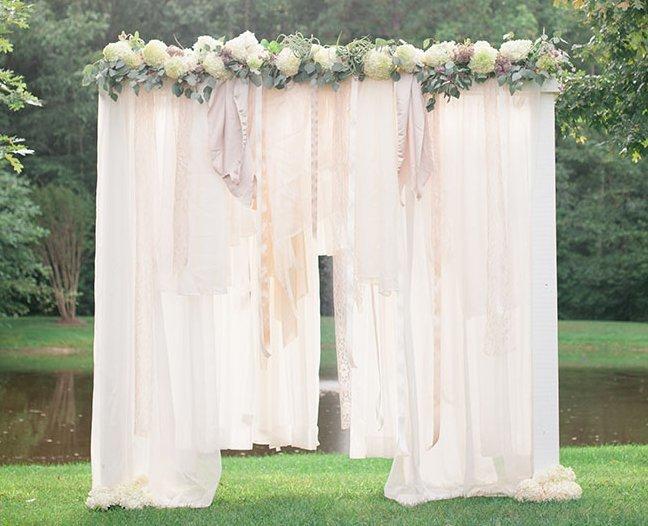 Breathtaking Bohemian Outdoor Wedding Altar Allfreediyweddings Com